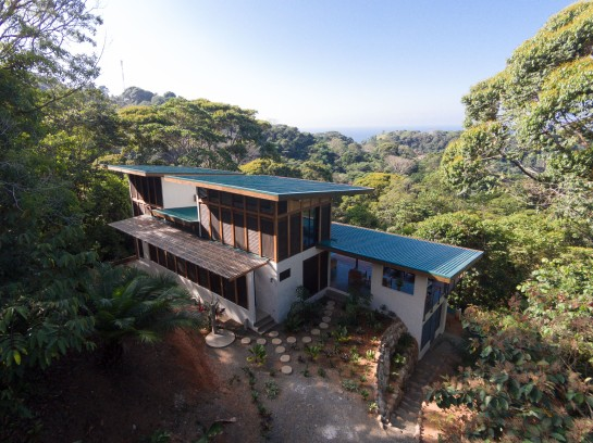 Tropical Modern architect Gloriana Mejia